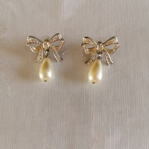 Vintage Mappin Bow Dangle Pearl Pearced Earrings